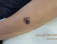 GOLDIE-TATTOO-Tarbes.juin-2018.web.abeille-rigolote.1.jpg