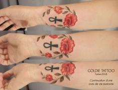 GOLDIE-TATTOO-Tarbes.mai2018.-web.continuation-croix-de-vie-par-coquelicots.jpg