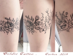 Goldie-Tattoo-Tarbes.mars2019.web.-tour-de-cuisse-magnolias-contours.jpg
