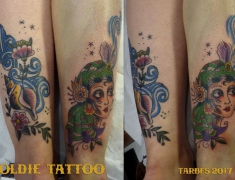 GOLDIE-TATTOO-Tarbes.nov2017.web.COQUILLAGE-ET-GITANE-OLD-SCHOOL-CHEVILLES.jpg